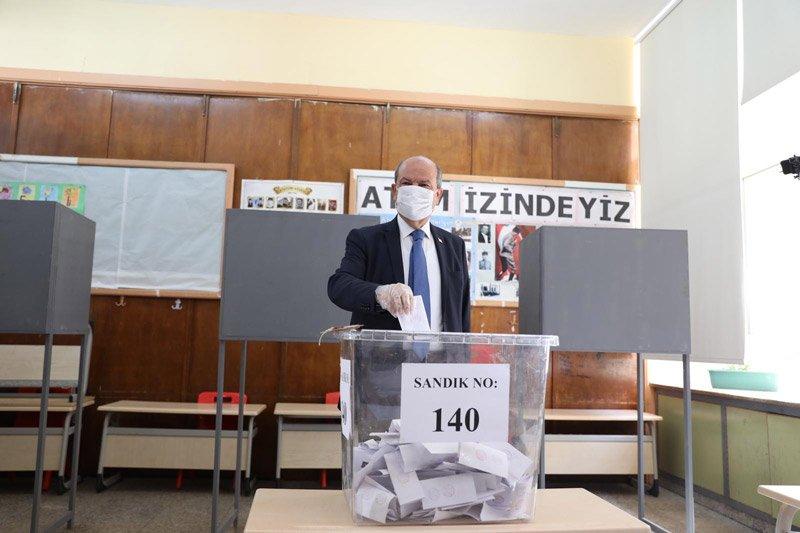KKTC'de resmi olmayan sonuçlara göre Ersin Tatar kazandı